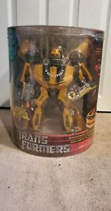 NEW SEALED Transformers Ultimate Bumblebee Costco Exclusive HUGE w/Titanium Fig