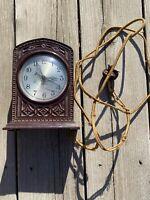 Vintage Bakelite Art Deco Electric Shelf Mantle Clock