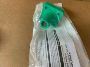 Leviton GREEN 16 Series Cam Female Receptacle Panel Mount 400 Amp, Threaded Stud