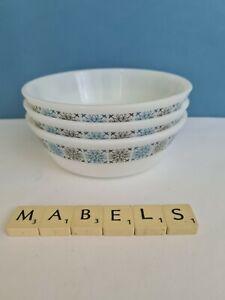 VINTAGE PYREX ~CHELSEA~ bowls x 3