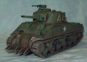 Bolt Action Warlord Games 1/56 M4 Sherman Tank British service PLASTIC PAINTED B