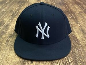 New York Yankees Men's Navy Blue MLB Baseball Hat - New Era - Size 7 1/4