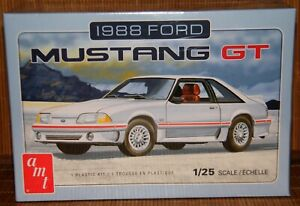 """AMT"""" 1988 Ford Mustang GT -Modellbausatz- AMT1216/12""""1:25"""
