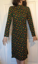 Vintage 60s 70s Dark Green Floral Cotton Long Sleeved Dress B38