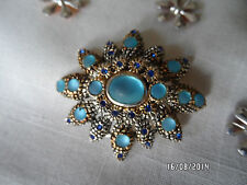 Brosche- silberf..-wunderschön reich verziert gearbeitet mit vielen blauen Stein