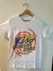 2002 Kiss 108fm concert shirt medium.  Avril Lavigne,  no doubt, Shakira etc..