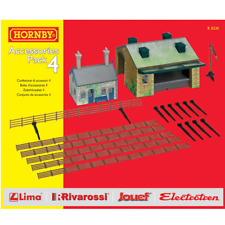 Hornby – HO Scale Accessories Pack 4 Railway Cottage Goods Shed Track side Fence