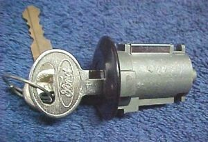 NOS Tailgate Lock Cylinder & Keys 78 - 96 Ford Bronco With Electric Rear Window