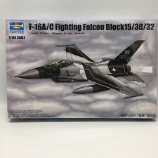Trumpeter 3920 F-16B//D Fighting Falcon Block 15//30//32 in 1:144