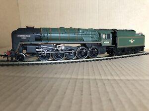 Hornby R3288 BR 2-10-0 9F Class Loco 92220 Evening Star BR GREEN