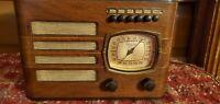 VINTAGE 1939 PHILCO AM Tube WOOD RADIO  Model 39-7
