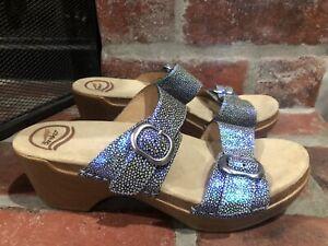 Dansko Sophie Iridescent Blue Wedge Slides Clogs Leather Sandals Size 39 8.5-9