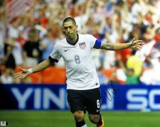 Clint Dempsey Signed Autographed 16X20 Photo Usa Soccer Star Hands Open Gv801895
