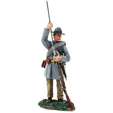 BRITAINS CIVIL WAR CONFEDERATE 31256 INFANTRY STANDING LOADING NO.1 MIB