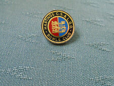 HASTINGS CIVIL SERVICE & LOCAL GOVERNMENT BOWLING CLUB SUSSEX - METAL PIN BADGE