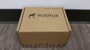*NEW* Ruckus ZoneFlex T300 901-T300-US01 Outdoor Weatherproof access point <<<