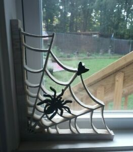 Handmade Wooden Web Spider Catching Fly for Window or Shelf Halloween Decoration
