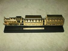 JOUEF H0 Dampflok 030 T typ BOER Set Standmodell ohne Antrieb in Gold in Vitrine