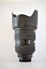 Nikon ED AF-S NIKKOR 28-70 mm 1:2,8 D inclus bouchons avant/arrière, pare-soleil