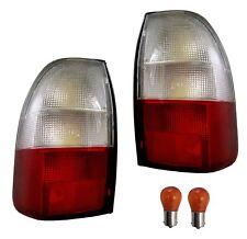 COPPIA DI FANALI POSTERIORI POSTERIORE MITSUBISHI L200 Pickup Warrior Lampada O/S + N/S Lente Nuovo