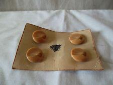 Anciens boutons en verre diam 1,8 cm couleur beige
