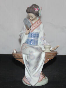 "Lladro Figurine 5327 Nippon Lady As Is  9"" (AP 00096 )"