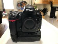 Nikon D700 12.1MP Digital SLR /w Nikon MB-D10 Grip and more