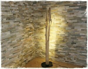 Stehlampe-mit-LED-aus Holz Schwemmholz Treibholz