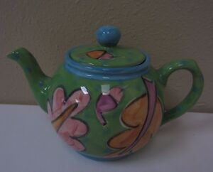 Ken Eardley London Teapot Hand-Crafted Painted Ceramic Pottery Green Leaf Design