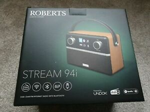 ROBERTS Stream 94i Portable DAB+/FM Smart Bluetooth Complete Kit In Original Box