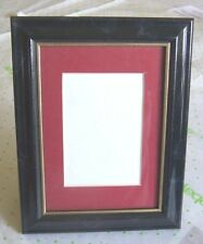 "BLACK MARBLE-LOOK FRAME WITH RED MAT CUT 4.5"" x 3"" (62353)"