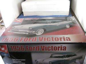 AMT classics  1956 Ford Victoria  1/25  31545