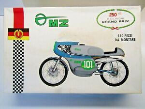 Protar Vintage 1:9 Scale 1963 / 1964 East German MZ250 Model Kit # 111 - New