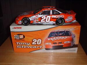 2000  Tony Stewart  #20  1/18   Action   Home Depot   Pontiac  Grand Prix