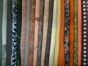 #53 Vintage Japanese Kimono Fabric, Silk Scrap Remnants, 20 Piece Bundle