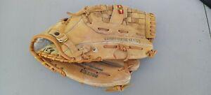 "Easton EX1380 Baseball/Softball Glove 13 1/2"" Competitor Series RHT"