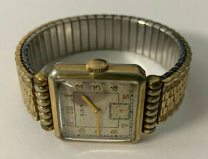 Vintage 1940s ELGIN 15 J Square Faced Unique CASE Manual Wind Men's Watch