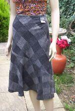 Knee Length Polyester Checked Flippy, Full Skirts for Women