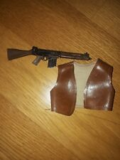 chaleco y subfusil geyperman
