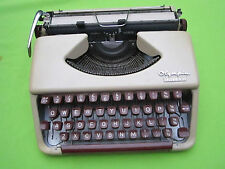 WORKING OLYMPIA SPLENDID 33 PORTABLE Typewriter NEW RIBBON