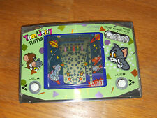 "Lcd game  Lansay  "" Tom ' Jerry Flipper "" game watch"