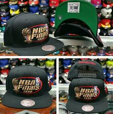 "NBA Mitchell & Ness NBA Chicagp Bulls 1998 ""NBA Finals"" Throphy snapback"