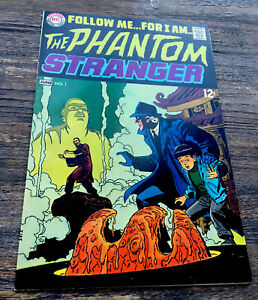 The Phantom Stranger #1 Comic Book Presents Very Well Bronze Horror Key