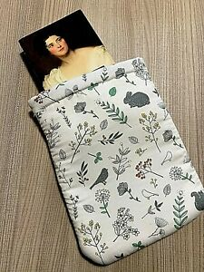 BOOKSLEEVE FATTO A MANO,HAND MADE,custodia libro stirabile e lavabile