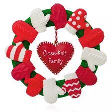 Mom Love A CLOSE KNIT FAMILY 2015 Hallmark Ornament Children Dad Heart