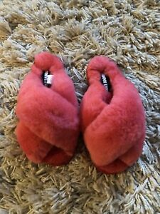 Double Rainbouu Sheepskin Slippers Sliders Loungewear Coral Colour Size 3-4 NEW