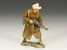 AK078 Officer with Schmeisser by King and Country