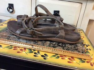 Chacos  Women's Size 7 thong open toe Ankle Strap Brown Leather Flat Sandals