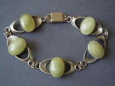 Altes versilbertes Armband mit Hellgrünen Achat Cabochons 15 g/18,5 cm/B:1,5 cm