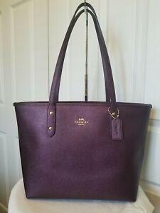 NWOT Coach Crossgrain Leather City zip tote Shoulder Bag Purple / Gold
